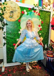 Алиса в стране чудес детский праздник