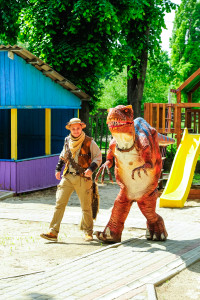 динозавр на детский праздник