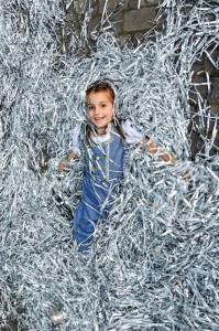 серебряное бумажное шоу