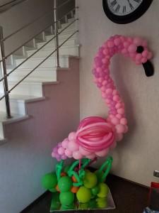 фламинго из шаров