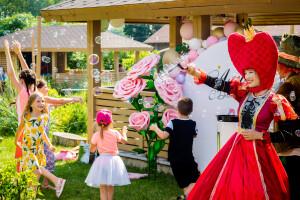 организация праздника Алиса в стране чудес