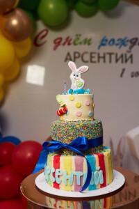 торт на первый годик